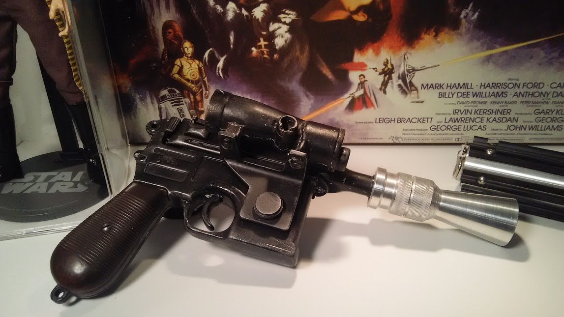 Review and photos of Han Solos Blaster Star Wars Prop Replica